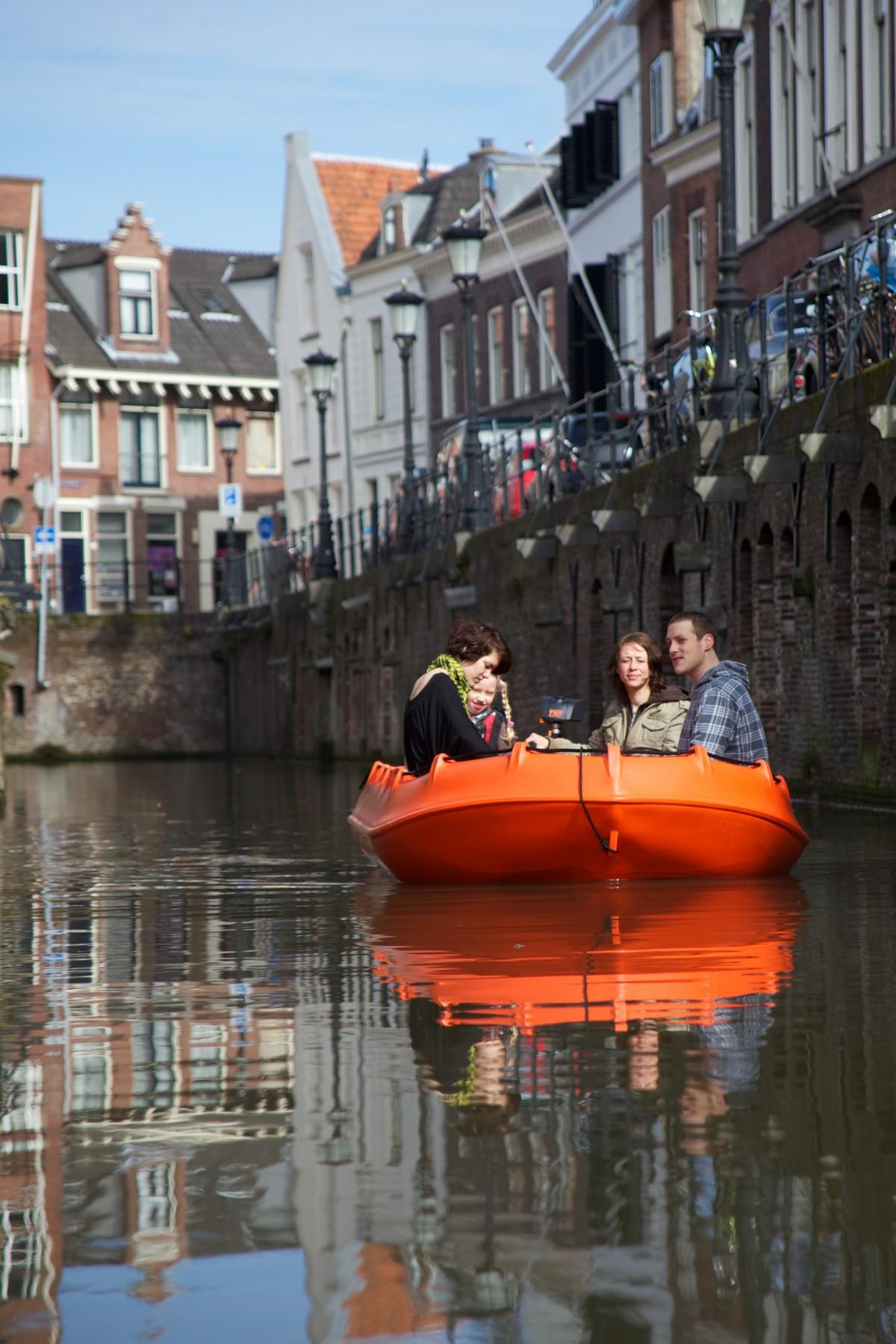 Fluisterboot-in-de-stad-c-Kanoverhuur-Utrecht-e1481206204165