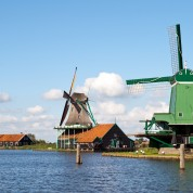 Zaanse-Schans-old-wind-mills-fishermans-village-holland-the-netherlands-tour-dutch-matters