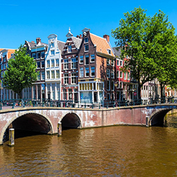 Amsterdam-city-walk-experience-activity-dutch-matters
