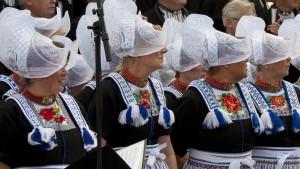 old-costume-fishermans-village-holland-the-netherlands-tour-dutch-matters